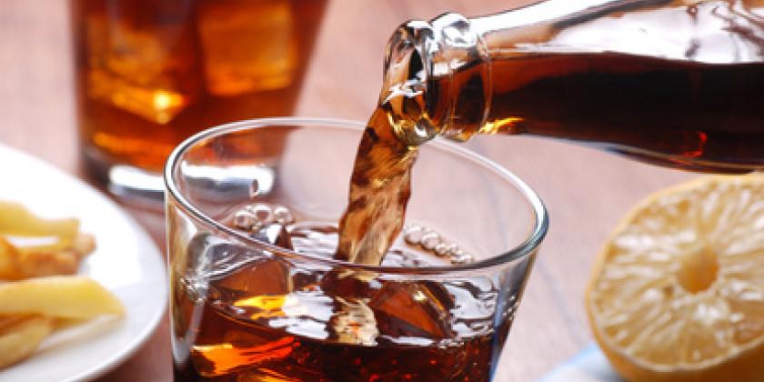 Das passiert mit deinem Körper nach dem Genuss einer Dose Cola